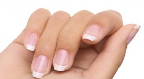 Remedii pentru tratarea unghiilor casante, direct din bucătărie
