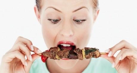 Dietele proteice, un pericol pentru sănătate? Ce spun nutriţioniştii