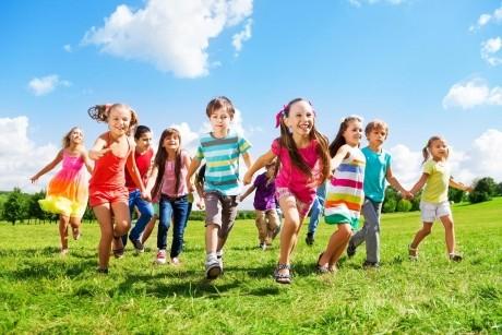 5 criterii care te ajută să alegi tabăra de vară pentru copilul tău