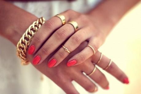 Trucul care te ajută să previi ÎNVERZIREA bijuteriilor ieftine