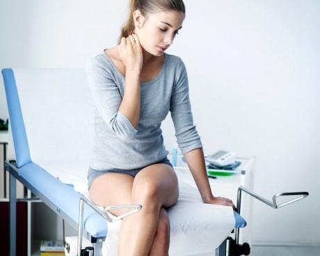 Cum se transmite HPV şi ce simptome anunţă cancerul de col uterin