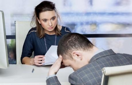 Prinsă pe picior greşit la interviu? 4 trucuri care te scot din impas!