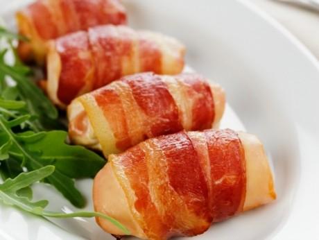 Rulou de piept de pui cu bacon
