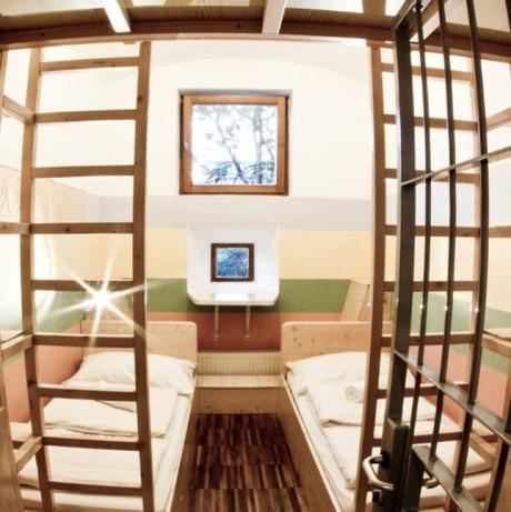 3 hosteluri pe care trebuie să le vezi în vara asta