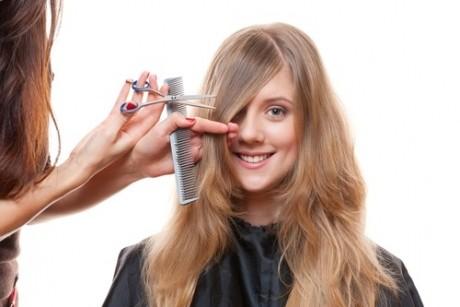 Tunsoarea PERFECTĂ: Ce greşeli NU trebuie să faci dacă forma feţei tale este...