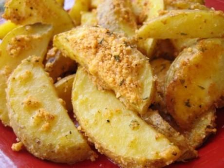 Cartofi wedges cu brânză