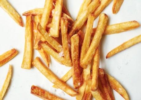 TRUCUL care readuce savoarea cartofilor prăjiţi cu o zi în urmă