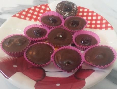 Prăjituri din DOAR 2 ingrediente, gata în câteva secunde
