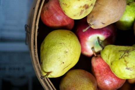 Dieta de sezon: Mănâncă pere şi mere şi scapi de kilograme
