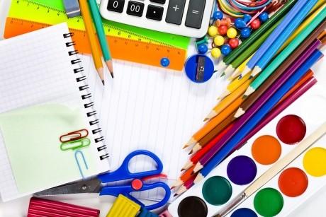 Înapoi la şcoală: Ce ar trebui să treci pe lista cu rechizite pentru copil