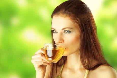 La 16 ani, a băut 3 ceşti de ceai verde pe zi - Rezultatul i-a şocat pe doctori