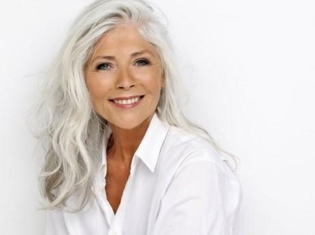 Metoda NATURALĂ de pigmentare a firelor de păr albe