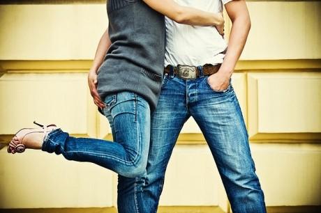 Psihologia atingerilor INTERZISE - Gesturi TABU, în funcţie de sex