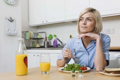 Dieta de 2000 de calorii pe zi, creată special pentru femei