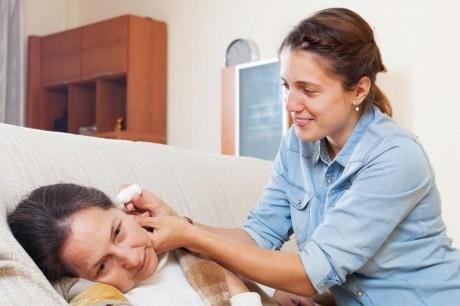 Remediul PUTERNIC împotriva infecţiilor, care te scapă şi de ceara din urechi