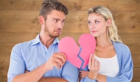 Decembrie, lună de CRIZĂ în cuplu - INAMICUL relaţiei tale, explicat de psihoterapeut
