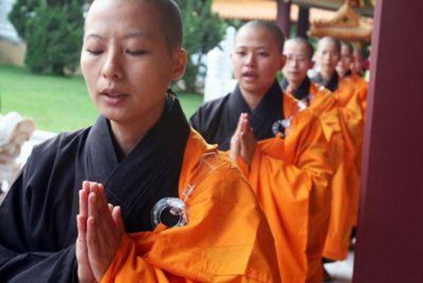 cum sa mananci ca un budist