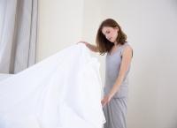Dovedit ştiinţific: Culoarea lenjeriei de pat care atrage PLOŞNIŢELE