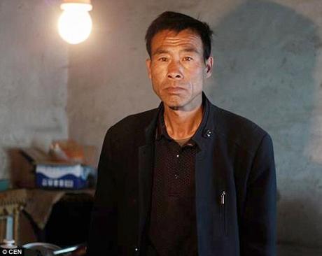 Povestea omului care de 10 ani trăiește SINGUR într-un sat din China