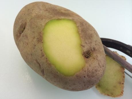 Ai grijă când cumperi cartofi - Dacă arată AŞA sunt TOXICI!