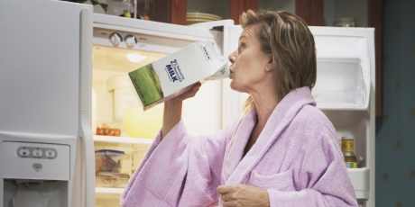 PERICOLUL nebănuit din cutiile de lapte - Te poţi îmbolnăvi de la...