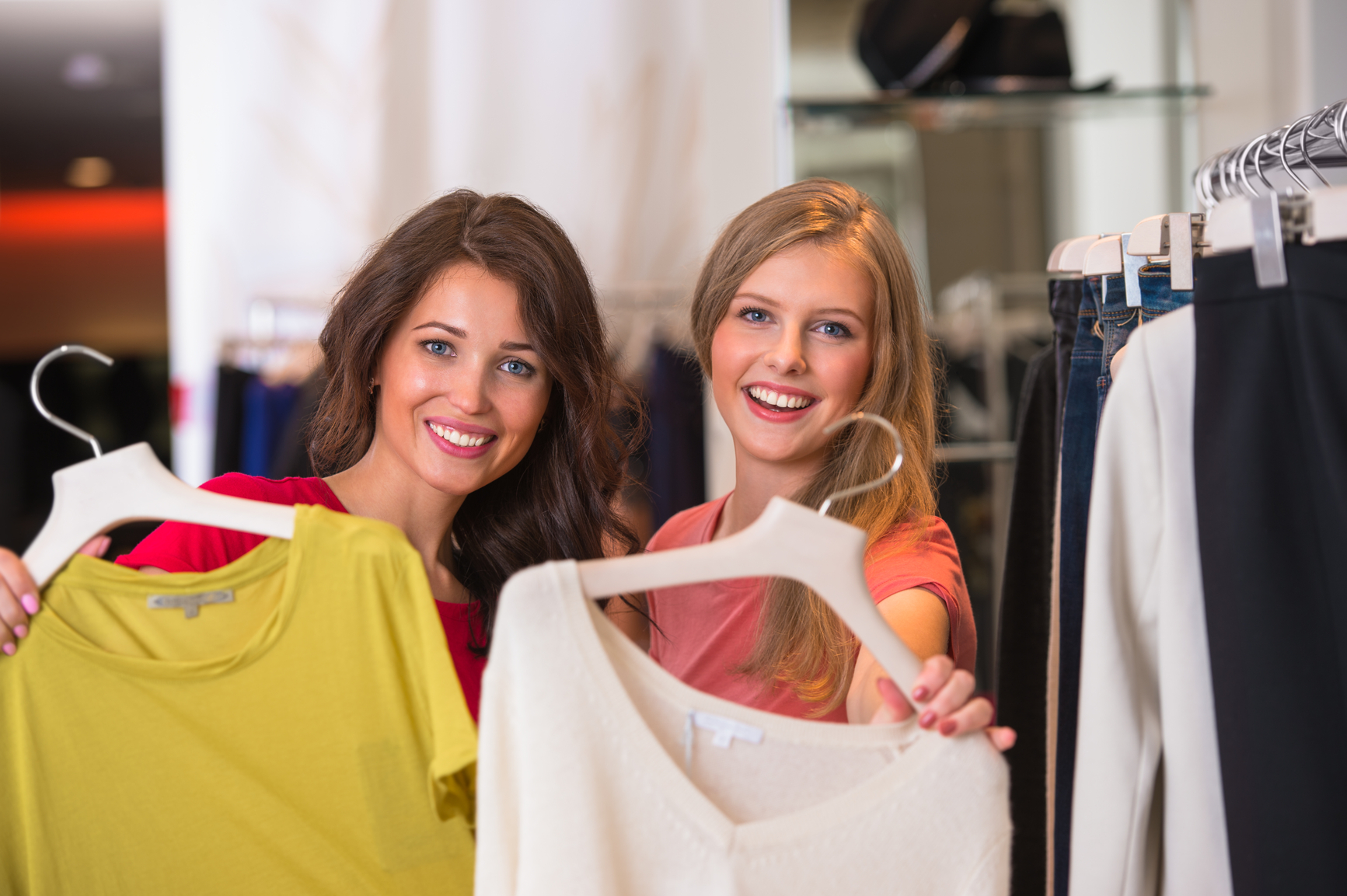 5d7366cb8 4 Smart Ways To Save Money On Women's Clothes - Fashion Industry Network