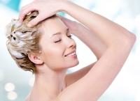 Dubla şamponare, secretul pentru un păr frumos