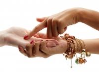 Chiromanţie: Forma şi lungimea degetului mic trădează cine eşti cu adevărat