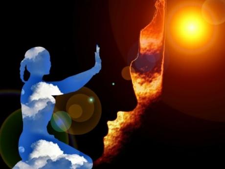 Uită de CRISTALE, lumânări şi rugăciuni - Ce înseamnă, de fapt, să fii SPIRITUAL