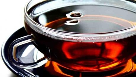 Ce se întâmplă dacă bei VIN roşu amestecat cu CEAI negru