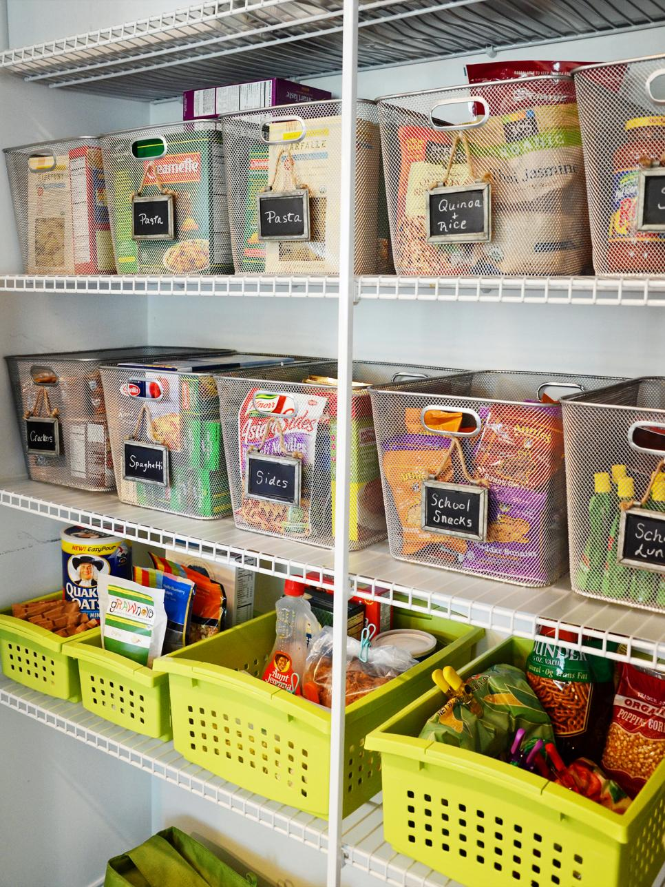14 easy ways to organize small stuff in the kitchen pictures 14 easy ways to organize small stuff in the kitchen pictures ideas diy solutioingenieria Image collections
