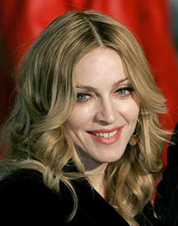 Madonna Isi Traieste A Doua Tinerete