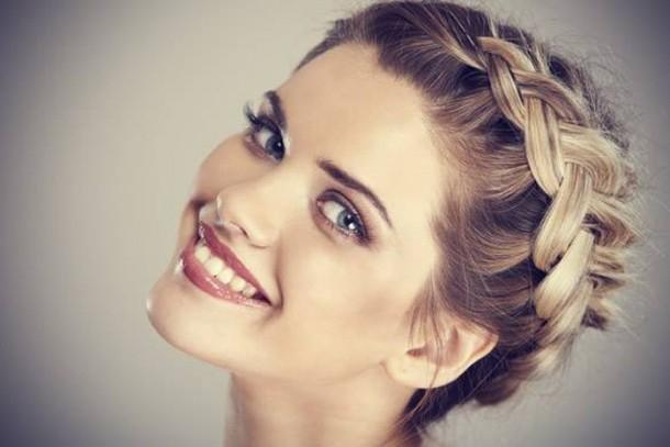 Cum Să îţi Prinzi Părul La Plajă 6 Recomandări Feminis