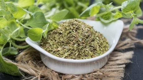 Ceaiul care vindecă infecțiile cu streptococi și gripa este acum la îndemâna oricui