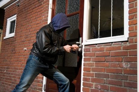 Cum îţi dai seama din prima că ţi-a fost spartă casa: 8 metode ingenioase