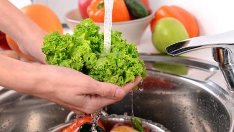 Ai spălat GREŞIT aceste 9 alimente până acum - MOTIVUL te va lăsa fără cuvinte