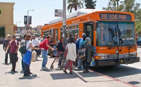 Ce să faci când cineva este agresat în mijloacele de transport în comun