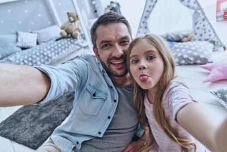 5 moduri în care îți poți îmbunătăți relația cu tatăl tău