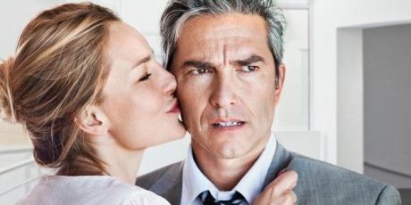 Nu te-ai fi gândit niciodată că aceste 10 lucruri le excită pe femei