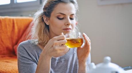 N-ai fi crezut! Adulţii care beau CEAI au observat un efect NEBĂNUIT