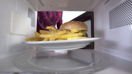 INGENIOS! Cel mai bun mod de a reîncălzi cartofii prăjiți
