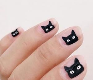 unghii_de_halloween___model_de_unghii_simple_cu_pisici_negre
